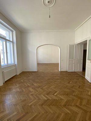 Charmante 4-Zimmer Wohnung im Altbaustil im 9. Bezirk zu vermieten!