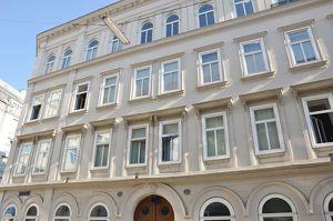 Wunderschöne 2-Zimmer Wohnung in 1060 - 3.Stock ohne Lift - nähe U4 Pilgramgasse BESICHTIGUNGEN ERST AB 02.08.2021