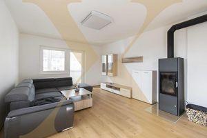 HELLMONSÖDT - Ansprechende und teilmöblierte 2,5-Zimmer-Wohnung mit Loggia und Parkplatz ab sofort zu vermieten!