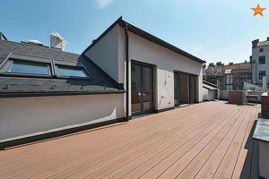 YES - Hofruhelage in Parknähe - große Terrasse - neue, schicke 3-Zimmerwohnung
