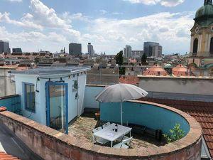 Helles, ruhiges Apartment mit Dachterrasse am Augarten