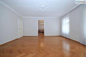 Stilvolles Mietobjekt direkt am Hauptplatz, Wohnung, Praxis oder Büro je nach Bedarf