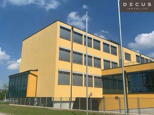 CITY GATE     Effiziente Büroflächen mit niedrigen Betriebskosten    modernes Bürogebäude