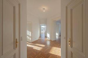 ++NEU++ Sensationelles großzügiges 3-Zimmer Altbaubüro mit getrennter Küche, zentrale Lage in 1190!
