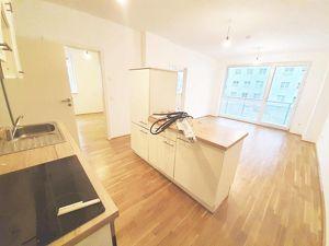 Charmante Loggiawohnung mit 3 Zimmern in ruhiger Seitengasse nächst Josefstraße