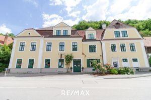 Generalsaniertes Gästehaus in schöner Wachaulage