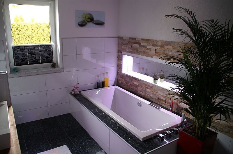 fliesenleger malerarbeiten handwerker in baden jobs auf. Black Bedroom Furniture Sets. Home Design Ideas