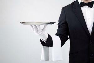 Ich bin auf der Suche nach eine stelle als Kellner.