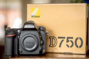 Nikon D750 24,3 MP digitale SLR-Kamera mit Objektiv