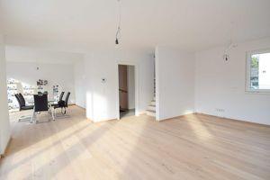 Einfamilienhaus nahe U1 Leopoldau ? Provisionsfrei! // Family house near U1 Leopoldau ... free of brokerage commission! //