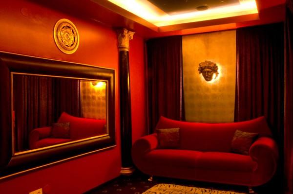 unser rotes Spiegelzimmer