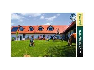 Urlaub am Weinbauernhof Strablegg