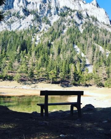 Bankerl vor dem Grünen See in der Steiermark