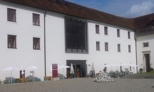 SchlossTaverne - Innenhof