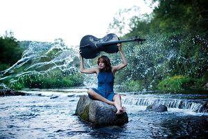 Sophie geht den Bach runter – Solo