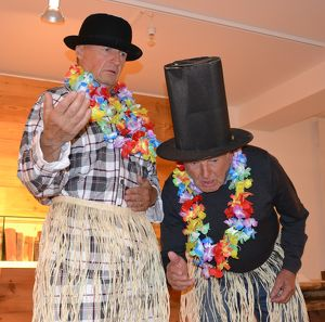 JUNG SAMMA, FESCH SAMMA - Die Senioren-WG SPIELT verrückt