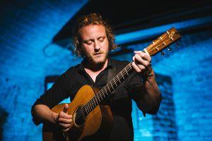 Markus Schlesinger - Fingerstyle Acoustic Guitar