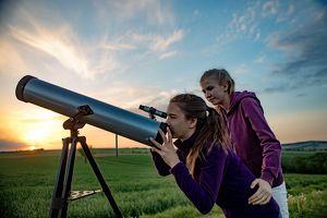 Blicke & Sterne: Nacht der fliegenden Sterne am Großmugler Himmel